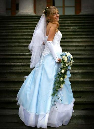 Значение голубого свадебного платья