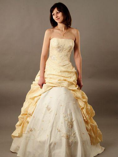 Желтое свадебное платье было на гребне популярности в 18 веке, и не одна...