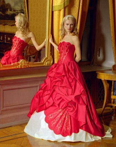 Wedding Saloon :: Свадебные платья красного цвета и их цена