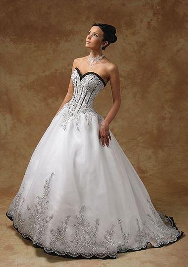 Купить черное свадебное платье.