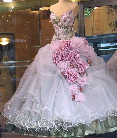 Шить ли свадебное платье на заказ?